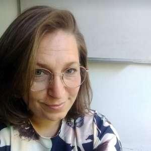 Spanish teacher Ms. Jesica Gindin
