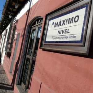 Máximo Nivel- Spanish language immersion program
